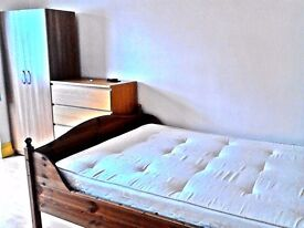 £150pw Big Double room available for couples or singles 5 min walk Tottenham Hale Station