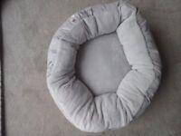NEW Small dog / cat bed - luxury fleece - warm & cosy