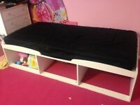 Cabin bed with mattress (single)