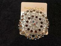 ***** LADIES BROCHES BRAND NEW*****