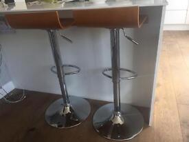 2 bar stool