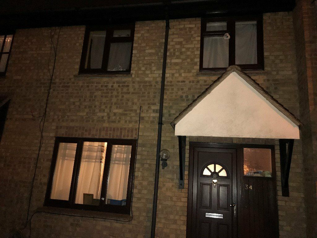 3 BED TERRACED HOUSE TO LET NEAR HAINULT STATION