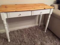 Beautiful console table. Like new condition