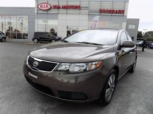 2013 Kia Forte 2.0L EX Cruise Bluetooth Bancs chauffants