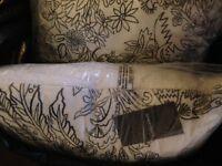 4 brand new Sheridan cushions