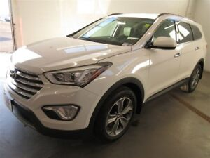 2016 Hyundai Santa Fe XL Premium- AWD! BACK-UP CAM! ALLOYS! HEAT