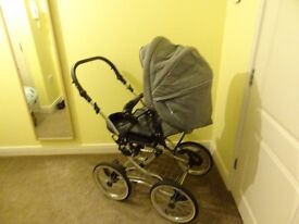 MULTI-FUNCTIONAL PRAM ON THE CLASSIC FRAME. 3 IN 1