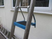Ladder Platform saves long periods of standing on narrow rung