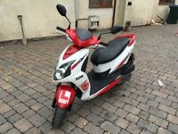 Sym 125 moped, full mot!