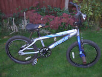 APOLLO MX20 FULL GIRO BMX ONE OF MANY QUALITY BICYCLES FOR SALE