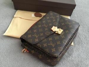 Louis Vuitton Metis Pochette ( More styles and Brands Available)