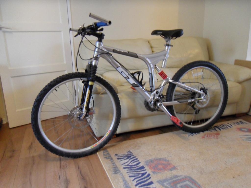 gt i drive full suspension mountain bike 19 frame 26 wheels 27