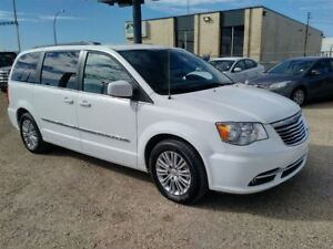 2016 Chrysler Town & Country Touring-L - Fully Loaded - Must See