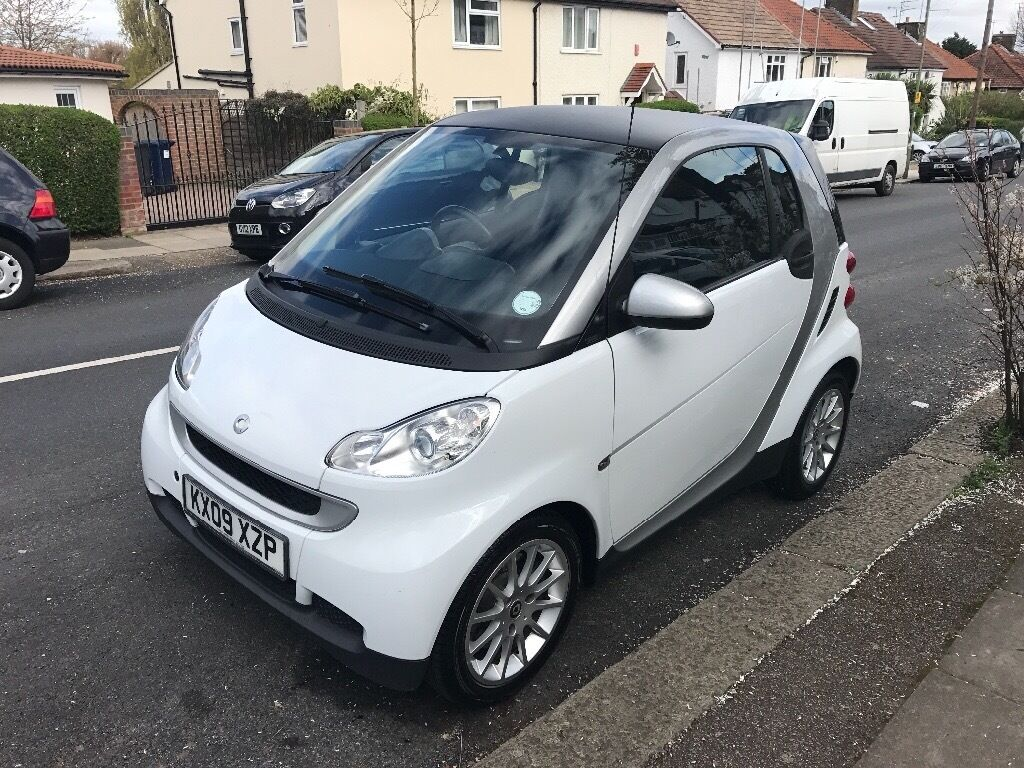 white smart car fortwo for sale 2009 73000 mileage full service mot passed excellent. Black Bedroom Furniture Sets. Home Design Ideas
