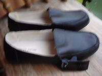 Ladies Black Leather Shoes size 7--Brand New with Tags!