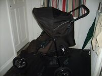 Gracco Expedition 3 wheel pushchair. Black. Good used condition.