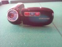 A DIGITAL SAMSUNG CAMCORDER MINT CONDITION