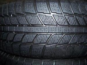 225-60R18 > HIVER ,  1 ou  4 pneus usagés .