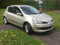 Lovely Renault Clio 1.6 lowe miles two keys looks n drives great