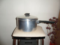 LARGE SOUP PAN/CASSEROLE POT