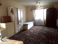 Stunning king size room to let!