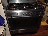 A Smeg 5 hubs cooker