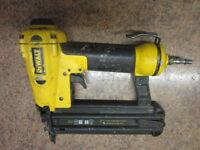 DeWalt nail gun (pneumatic) D51238