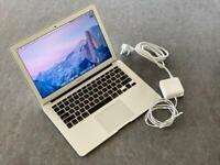 Apple MacBook Air (13in, 2017)