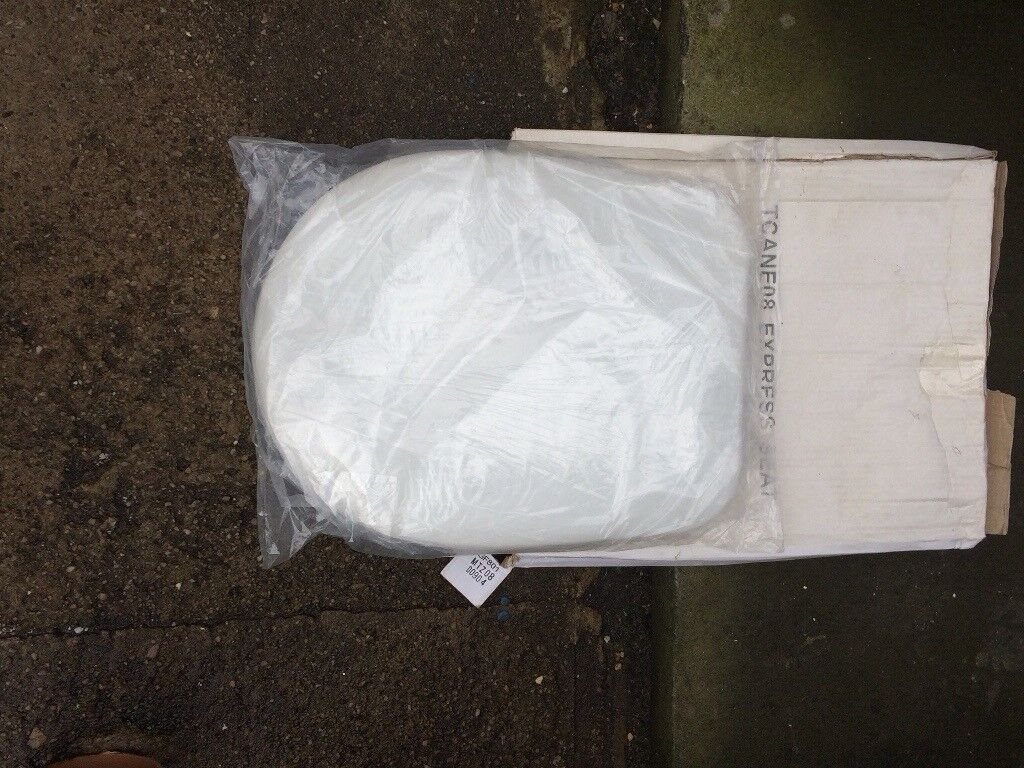 Brand New in Box White Close Couple Toilet Seat