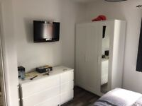 2bed flat to rent part furnished