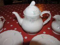Royal Doulton Valencia English Porcelain Tea Set Weymouth