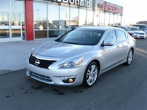 2014 Nissan Altima 3.5 SL, Navigation, Leater heated seats, Blue