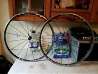 Shimano R520 wheel set