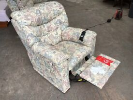 G PLAN ELECTRIC RECLINER ARMCHAIR ~~ GOOD CONDITION ~~ CAN DELIVER TO WEST MIDLANDS