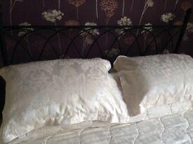 Black Metal Kingsize Bed Frame For Sale