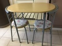 Breakfast table & 2 chairs, 2 cushions included, very convenient