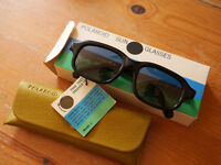 Genuine Polaroid made in UK mens or womens sunglasses, black frame lens, Excellent condition