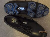 Golf shoes (AOL) Size 6 1/2 New