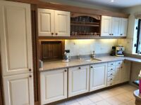 Cream and Oak quality kitchen with Granite worktops.