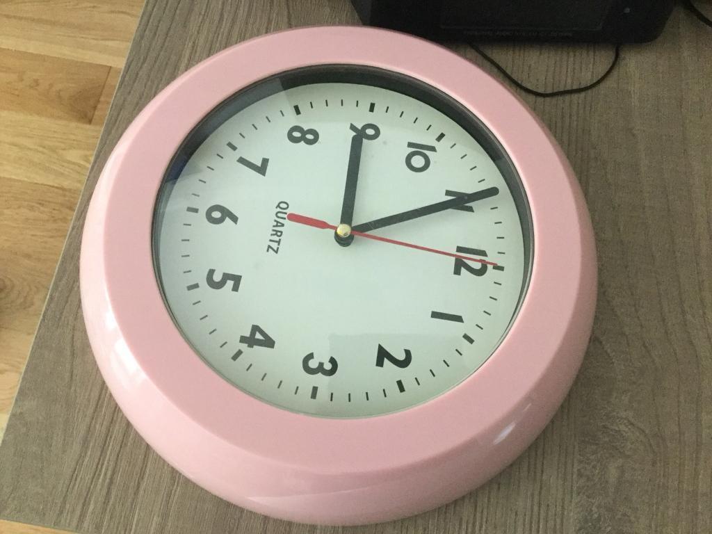 Girls Pink Clock