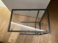Coffee table (glass and black)