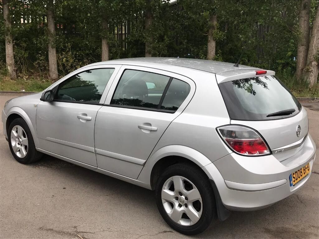 Vauxhall Astra 2008 1.4 i 16v Club 5dr ** 2 KEYS ** 12 MONTH MOT * VERY CLEAN CAR * DRIVES LIKE NEW