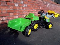 Ride on kid's tractor with trailer