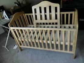 Baby cot bed mamas an papas