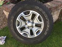 JEEP WRANGLER ALLOY WHEEL WITH GOOD YEAR TYER NEW 17 INCH