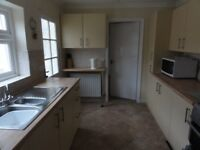 Quiet furnished double room in 4 bed house close to all amenities