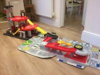 ELC Big City Toy Garage & Carry Along City-IMMACULATE CONDITION -MAGHULL AREA