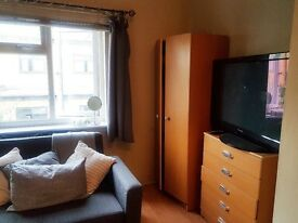 Huge bright double room Newington Green N16