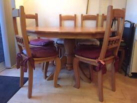 Oak Dining Table with 6 chairs - 120cm diameter - Solid Oak