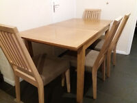 Extandable table + 4 chairs!!! URGENT!!! good quality!!! bargain!!!